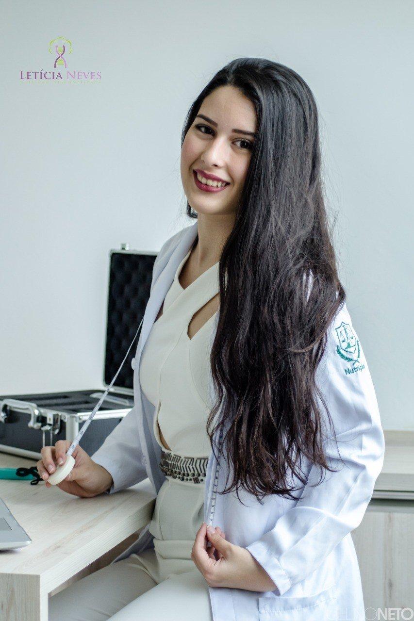 Leticia Neves – Nutricionista
